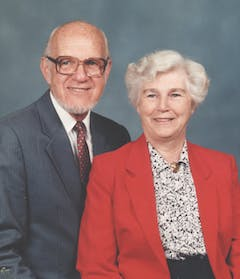 Portrait of Dr. Harvey Hoekstra and his wife Lavina in their retirement